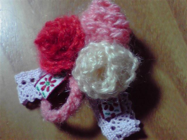 ふわふわお花のブローチ